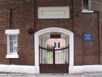 Friends Meeting House, Gloucester (1) (88k)
